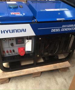 máy phát điện 10kw 3pha chạy dầu. Hyundai DHY12500LE-3-t2