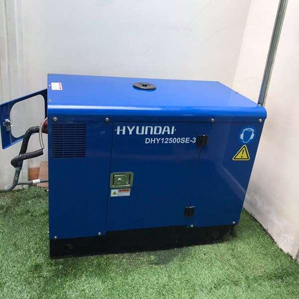 Máy phát điện 12KVA 3pha chạy dầu. Hyundai DHY12500SE-t2