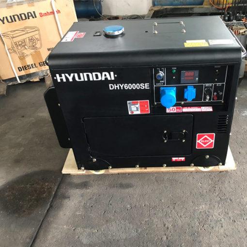 Máy phát điện chạy dầu 5kw cách âm. Hyundai DHY-6000SE-T2